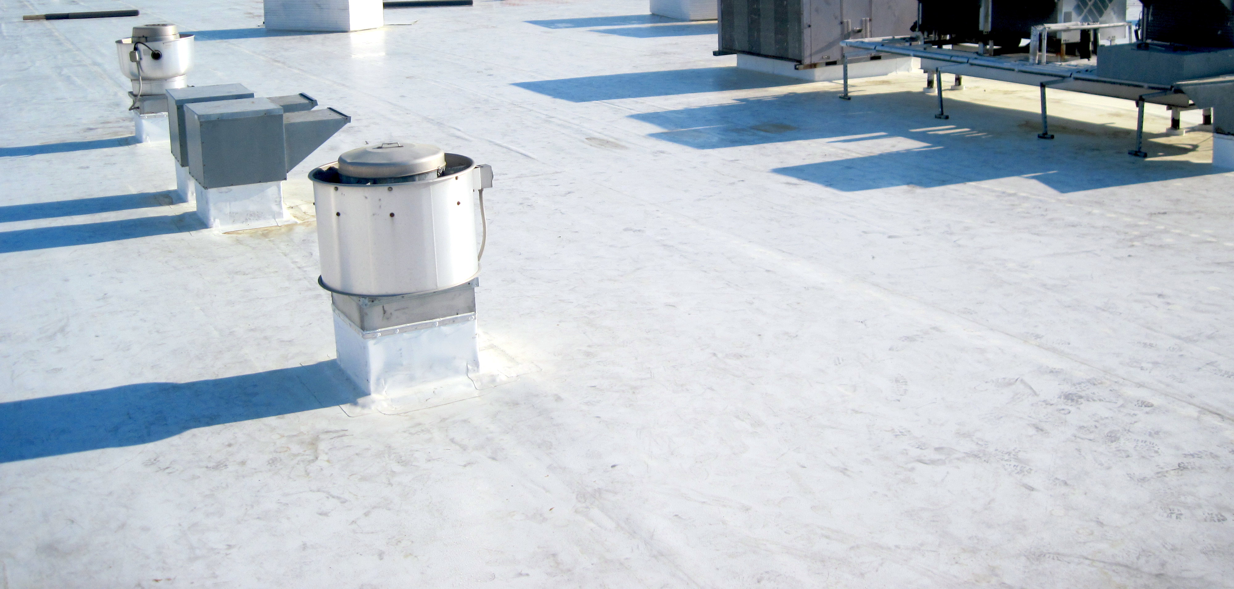 How To Clean The Roof Tennessee Roofing And Construction